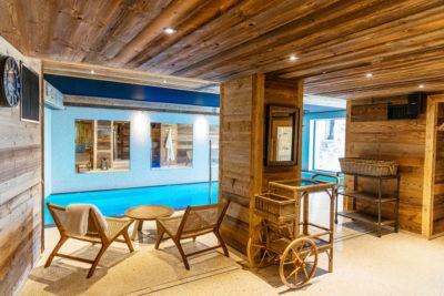 Hôtel V de Vaujany architecture de montagne spa piscine intérieur bois